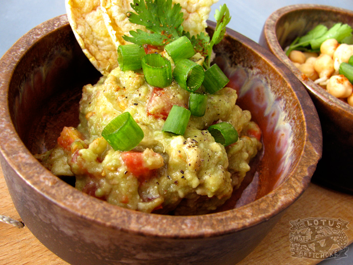 Raw Vegan Guacamole for a Summer Day - The Lotus and the Artichoke