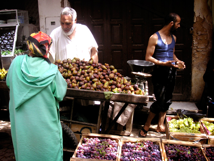 Fes, Morocco - Figs and grapes in the medina - The Lotus and the Artichoke