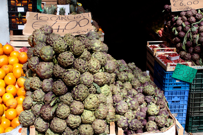 Carciofi! Artichokes in Trastevere, Rome, Italy - The Lotus and the Artichoke - Vegan Cookbook