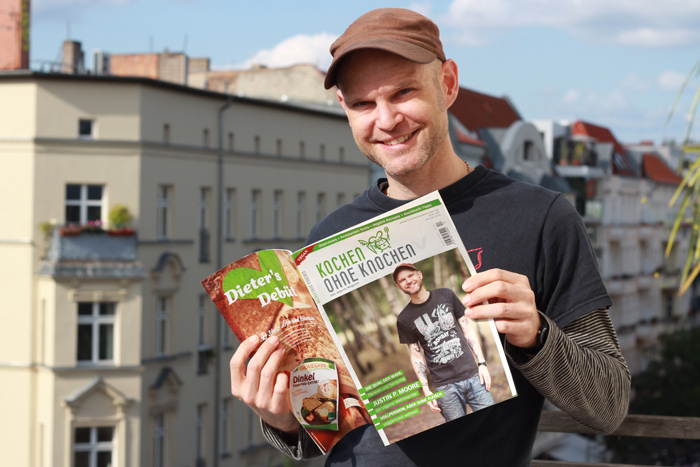 Interview Kochen ohne Knochen Das Vegane Magazin Justin P. Moore on the balcony