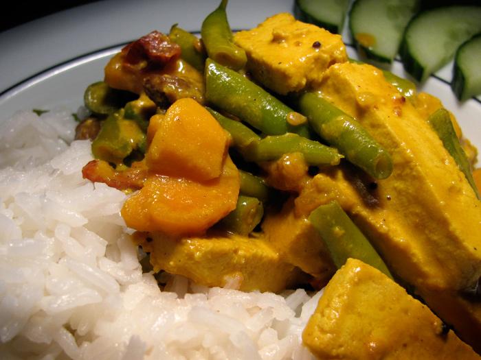 Indo-German: Green Bean Sweet Potato Tofu Curry