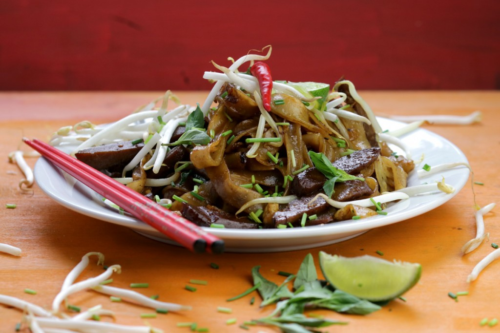 Char Kuey Teow from The Lotus and the Artichoke MALAYSIA vegan cookbook